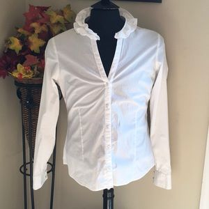 Vineyard Vines white blouse